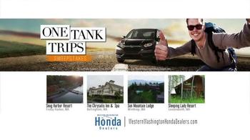 Honda One Tank Trips Sweepstakes TV Spot, 'Sleeping Lady Resort: 2015 CR-V' - Thumbnail 9