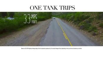 Honda One Tank Trips Sweepstakes TV Spot, 'Sleeping Lady Resort: 2015 CR-V' - Thumbnail 5