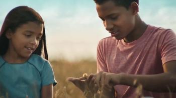 Cheerios TV Spot, 'Family Oat Field' - Thumbnail 5