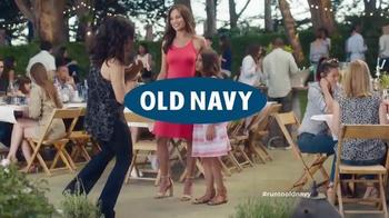 Old Navy TV Spot, 'No Joke' Featuring Julia Louis-Dreyfus - Thumbnail 9