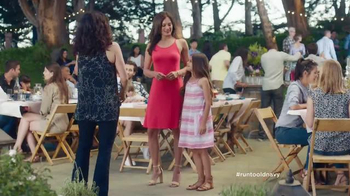 Old Navy TV Spot, 'No Joke' Featuring Julia Louis-Dreyfus - Thumbnail 4