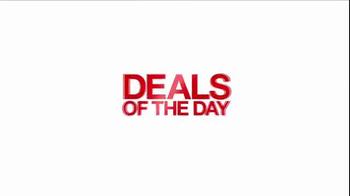 Macy's One Day Sale TV Spot, 'Jewelry, Handbags, Wallets' - Thumbnail 3