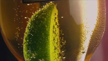Corona Light TV Spot, 'Lime' - Thumbnail 4