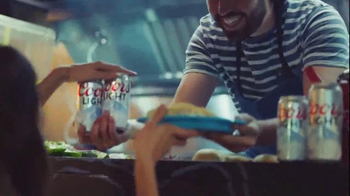 Coors Light TV Spot, 'reFRESCA tu Mundo' [Spanish] - Thumbnail 3