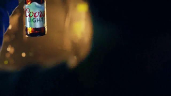 Coors Light TV Spot, 'reFRESCA tu Mundo' [Spanish] - Thumbnail 5