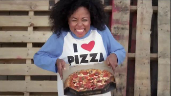 Pizza Hut Hot Dog Bites Pizza TV Spot, 'Two Classics' - Thumbnail 3