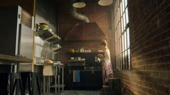 Starbucks VIA Instant TV Spot, 'On the Balcony' - Thumbnail 1