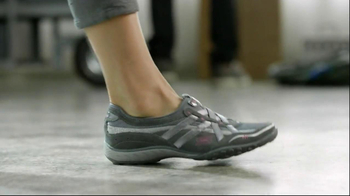 Skechers Relaxed Fit TV Spot Featuring Brooke Burke Charvet - Thumbnail 4