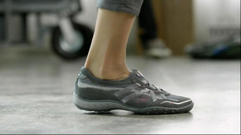 Skechers Relaxed Fit TV Spot Featuring Brooke Burke Charvet - Thumbnail 5