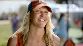 Charmin Relief Project TV Spot, 'NFL Tailgating Potties' - Thumbnail 7
