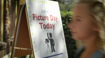 Chevrolet Malibu TV Spot, 'Picture Day' - Thumbnail 10
