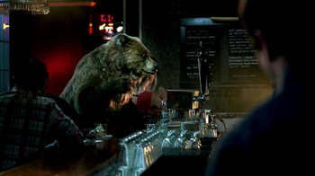 Jim Beam Honey TV Spot, 'Bear at the Bar'