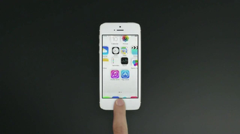 Apple iPhone 5s TV Spot, 'Molded to Perfection' Song by Goldfrapp - Thumbnail 6