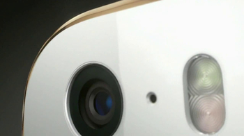 Apple iPhone 5s TV Spot, 'Molded to Perfection' Song by Goldfrapp - Thumbnail 4