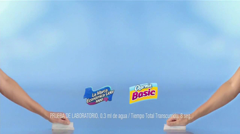 Charmin Basic TV Spot, 'Saltando' [Spanish] - Thumbnail 6