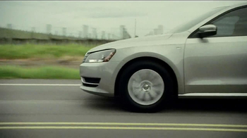 Volkswagen Sign Then Drive Event TV Spot, 'Never Easier' Song by Mowgli's - Thumbnail 6