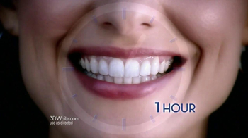 Crest 3D 1-Hour Express White Strips TV Spot Featuring Shakira - Thumbnail 6