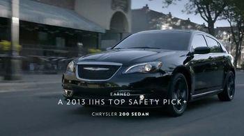 Chrysler TV Spot, 'Raising the Bar' - Thumbnail 4