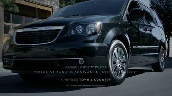Chrysler TV Spot, 'Raising the Bar' - Thumbnail 5