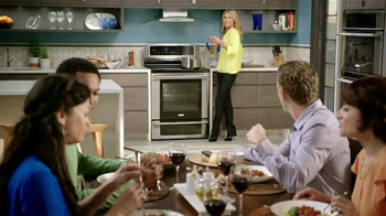 Electrolux Kitchen TV Spot, 'Crowd Pleasers' Featuring Kelly Ripa - Thumbnail 1