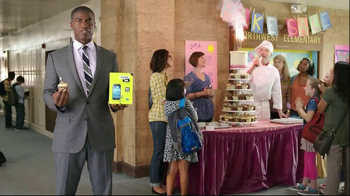 Straight Talk Wireless TV Spot, 'Bake Sale' - 2044 commercial airings