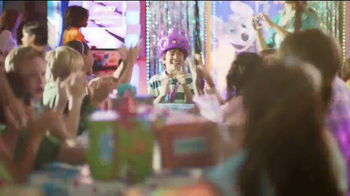 Chuck E. Cheese's TV Spot, 'Birthday Rockstar' - Thumbnail 2