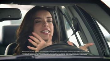 2014 Toyota Camry TV Spot, 'Maneja en Voz Alta' [Spanish] - Thumbnail 6