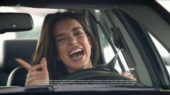 2014 Toyota Camry TV Spot, 'Maneja en Voz Alta' [Spanish] - Thumbnail 7
