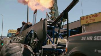 Miller Lite TV Spot, 'La Grúa' Con Danny Trejo [Spanish] - Thumbnail 6