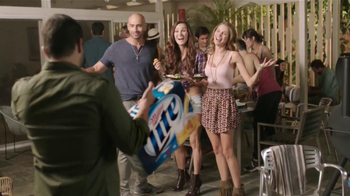 Miller Lite TV Spot, 'La Grúa' Con Danny Trejo [Spanish] - Thumbnail 9