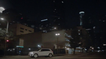 2014 Mitsubishi Outlander Sport TV Spot, 'New Beauty' Song Bobby Caldwell - Thumbnail 4