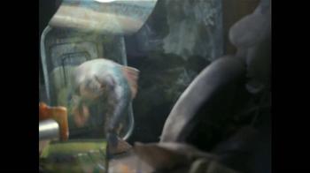 Glad ForceFlex Odor Shield Con Febreze TV Spot, 'Pescado' [Spanish] - Thumbnail 2