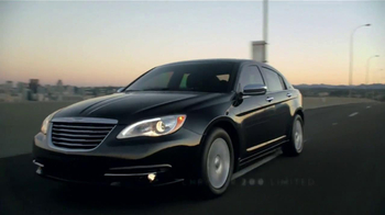 Chrysler 200 Limited TV Spot [Spanish] - 57 commercial airings