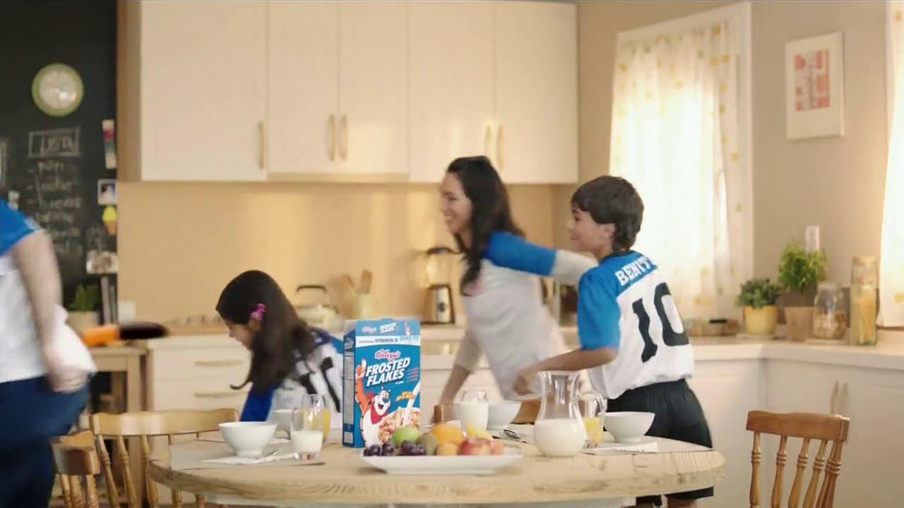 Frosted Flakes TV Commercial, 'Familia'