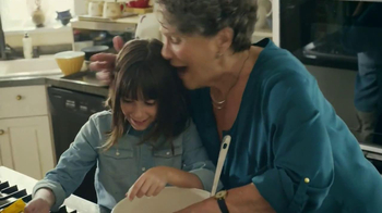 Nestle Toll House TV Spot, 'Bake the World a Better Place' - Thumbnail 9