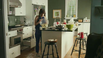 Nestle Toll House TV Spot, 'Bake the World a Better Place' - Thumbnail 7
