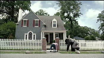 Gorilla Glue TV Spot, 'Fence and Tarp' - Thumbnail 2