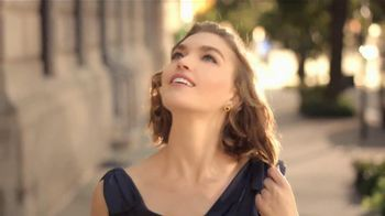 Estee Lauder Modern Muse TV Spot, 'Be an Inspiration' Song by Bruno Mars