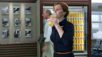 Florida Orange Juice TV Spot, 'Flight Attendant' - Thumbnail 10