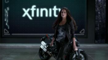 Xfinity Wireless Gateway TV Spot Con Genesis Rodriguez [Spanish] - Thumbnail 5