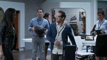 Xfinity Wireless Gateway TV Spot Con Genesis Rodriguez [Spanish] - Thumbnail 6