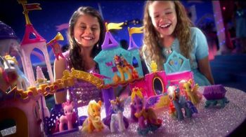 My Little Pony Crystal Princess Palace TV Spot, 'Friendship is Magic' - Thumbnail 8