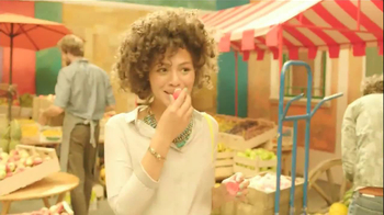 EOS TV Spot, 'Fruit Vendor' Song by The Exciters - Thumbnail 6