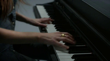 Gap TV Spot, 'Back To Blue' Featuring Alexa Rae Joel - Thumbnail 2