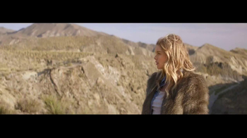 H&M Winter Collection TV Spot Feat. Doutzen Kroes, Song by Tears for Fears - Thumbnail 9