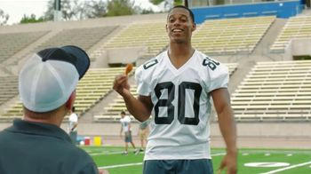 McDonald's Mighty Wings TV Spot Con Victor Cruz [Spanish] - 91 commercial airings