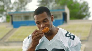 McDonald's Mighty Wings TV Spot Con Victor Cruz [Spanish] - Thumbnail 3