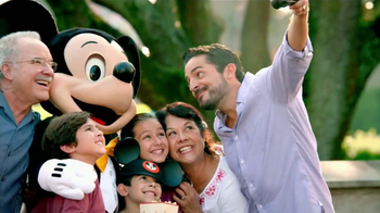 Disney World TV Spot, 'Tu Lado' [Spanish] - 32 commercial airings