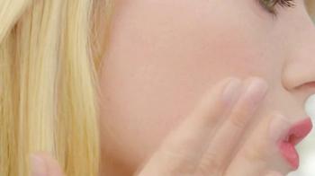 Revlon BB Cream TV Spot Featuring Emma Stone - Thumbnail 10