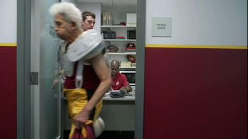 FedEx Delivery Manager TV Spot, '6th String Quarterback' - Thumbnail 10